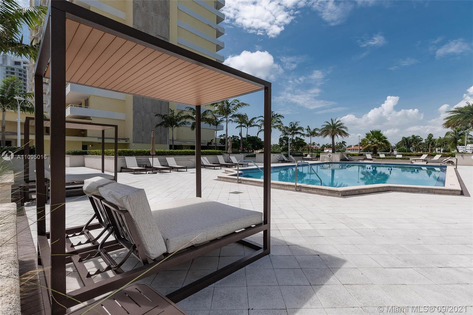 5600 Collins Ave #5R photo08