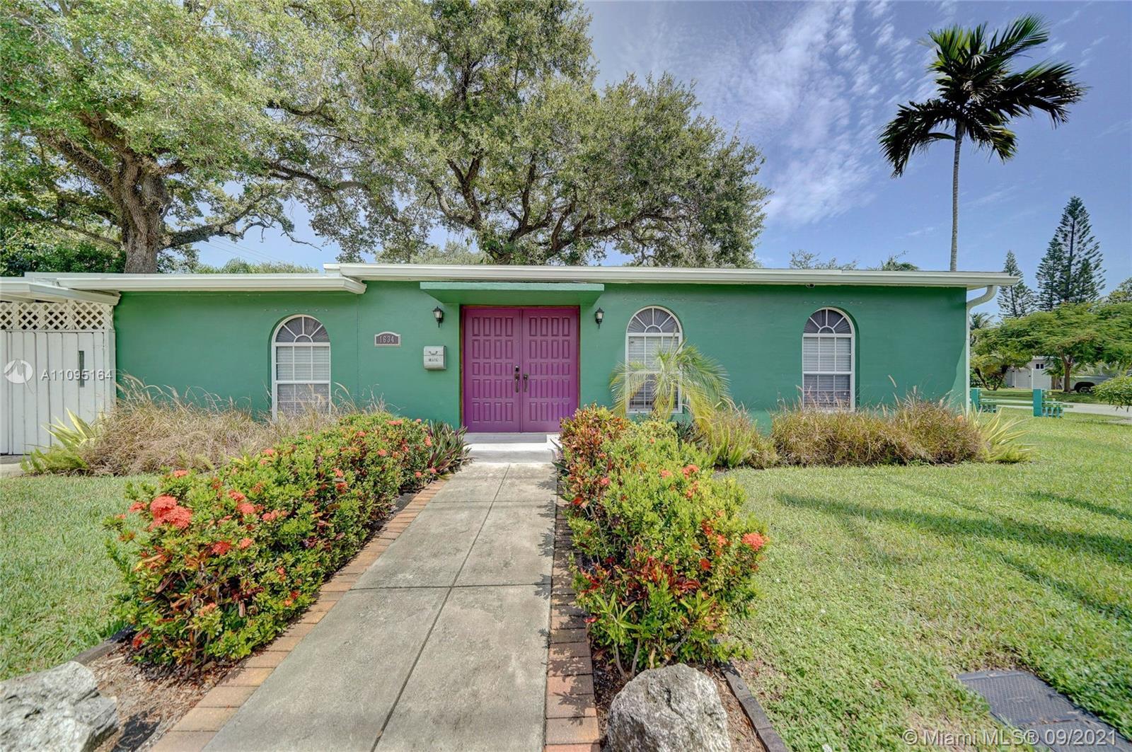 River Oaks - 1634 SW 9th Ave, Fort Lauderdale, FL 33315