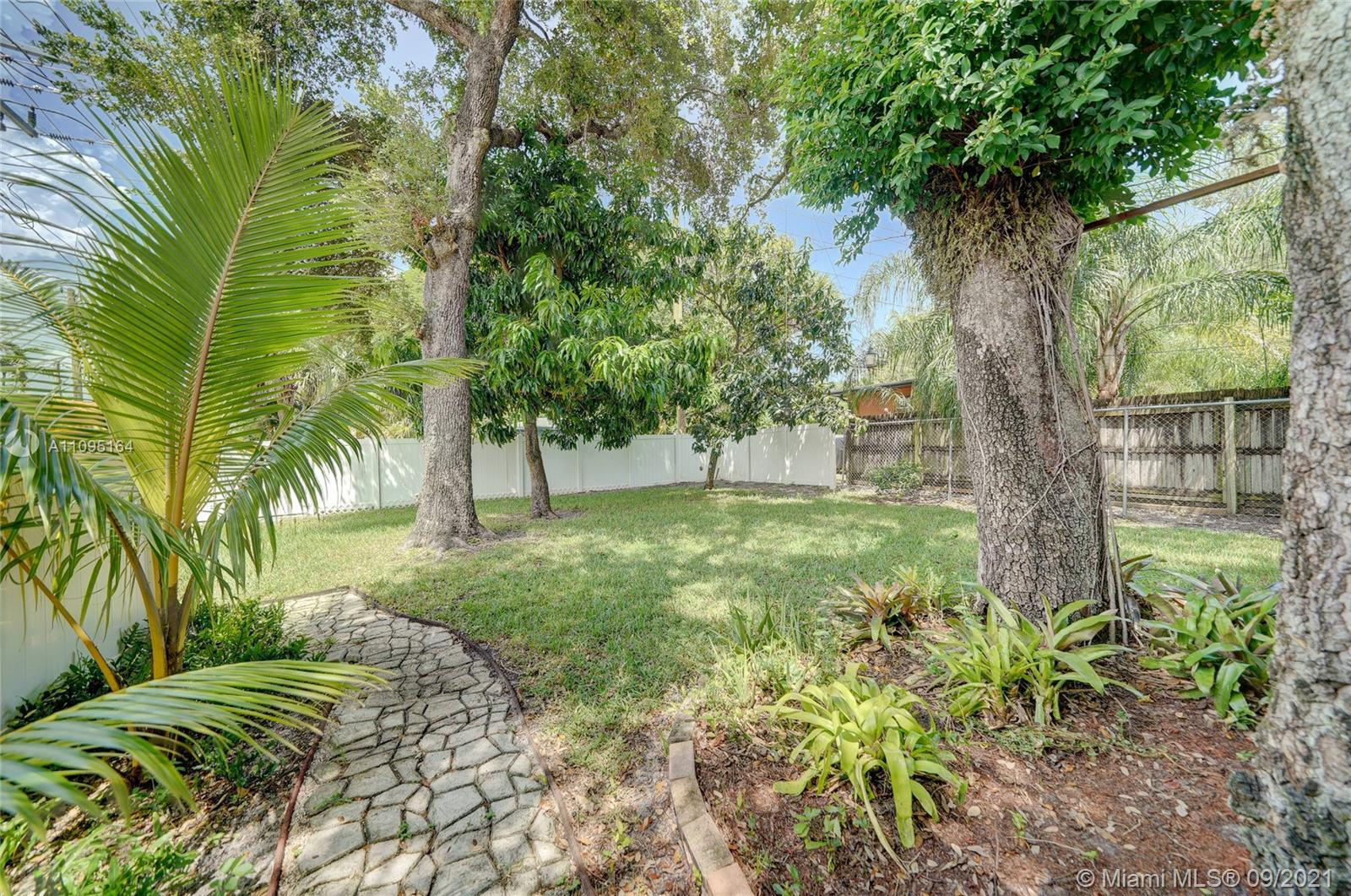 1634 SW 9th Ave photo028