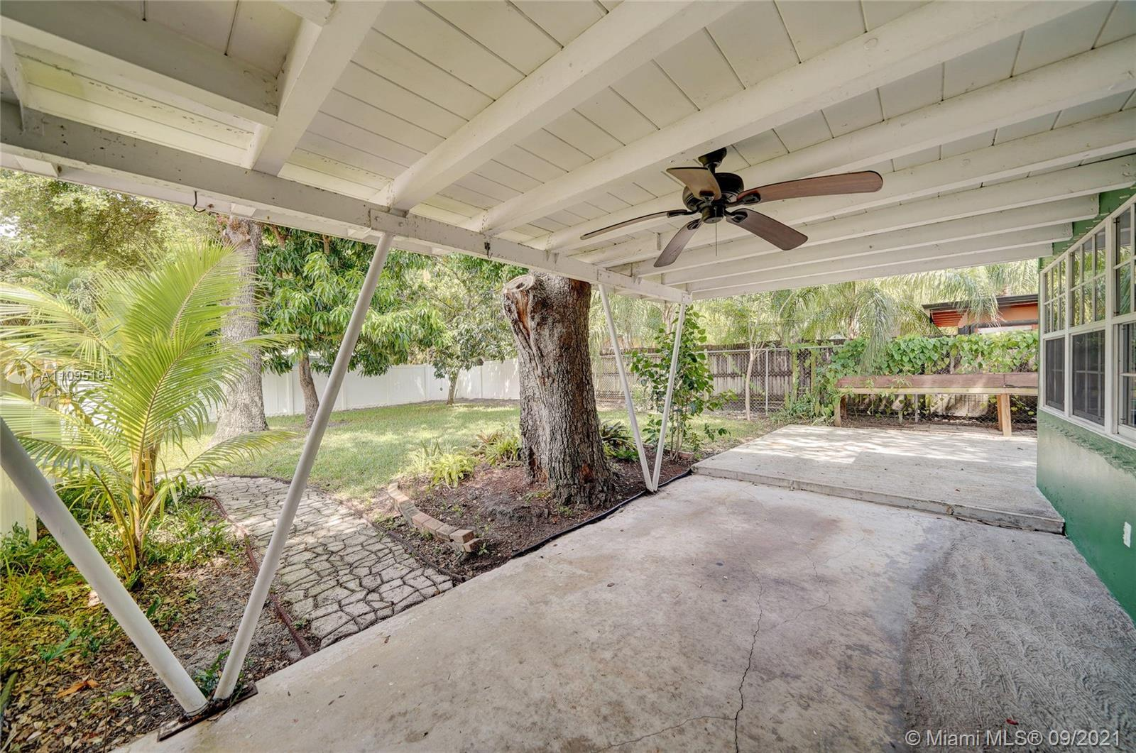 1634 SW 9th Ave photo031