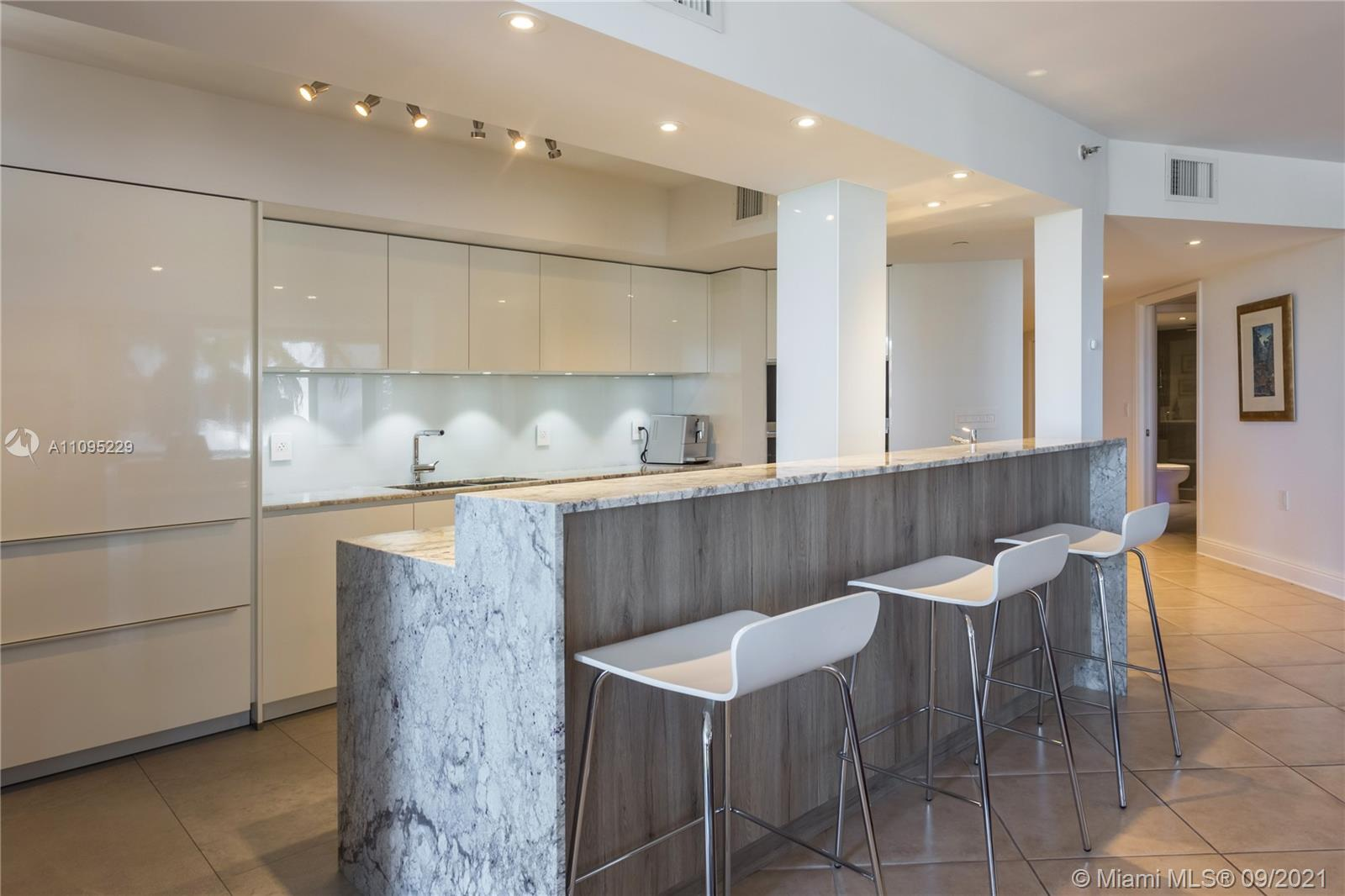8925 Collins Ave #3G photo01