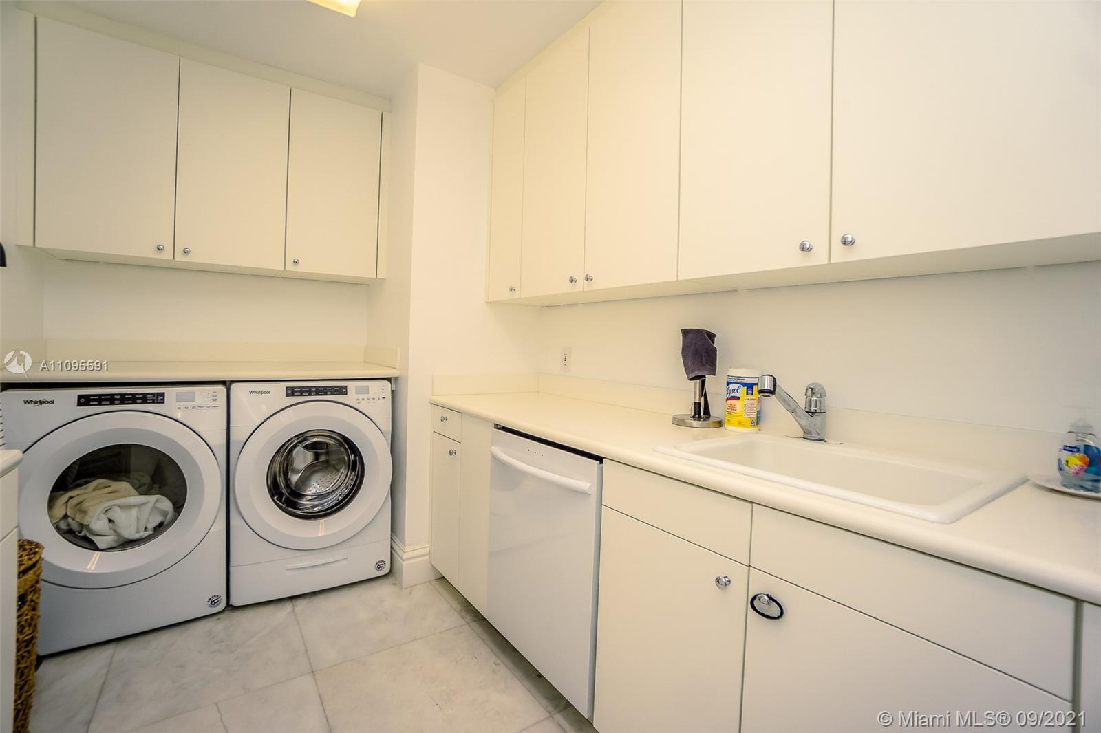 10295 Collins Ave #206 photo026