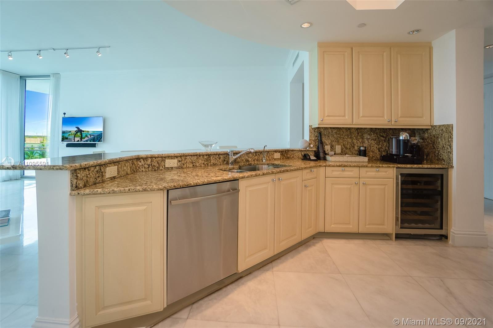 10295 Collins Ave #206 photo09