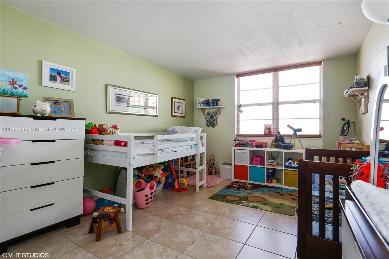 5825 W Collins Ave #4A photo06