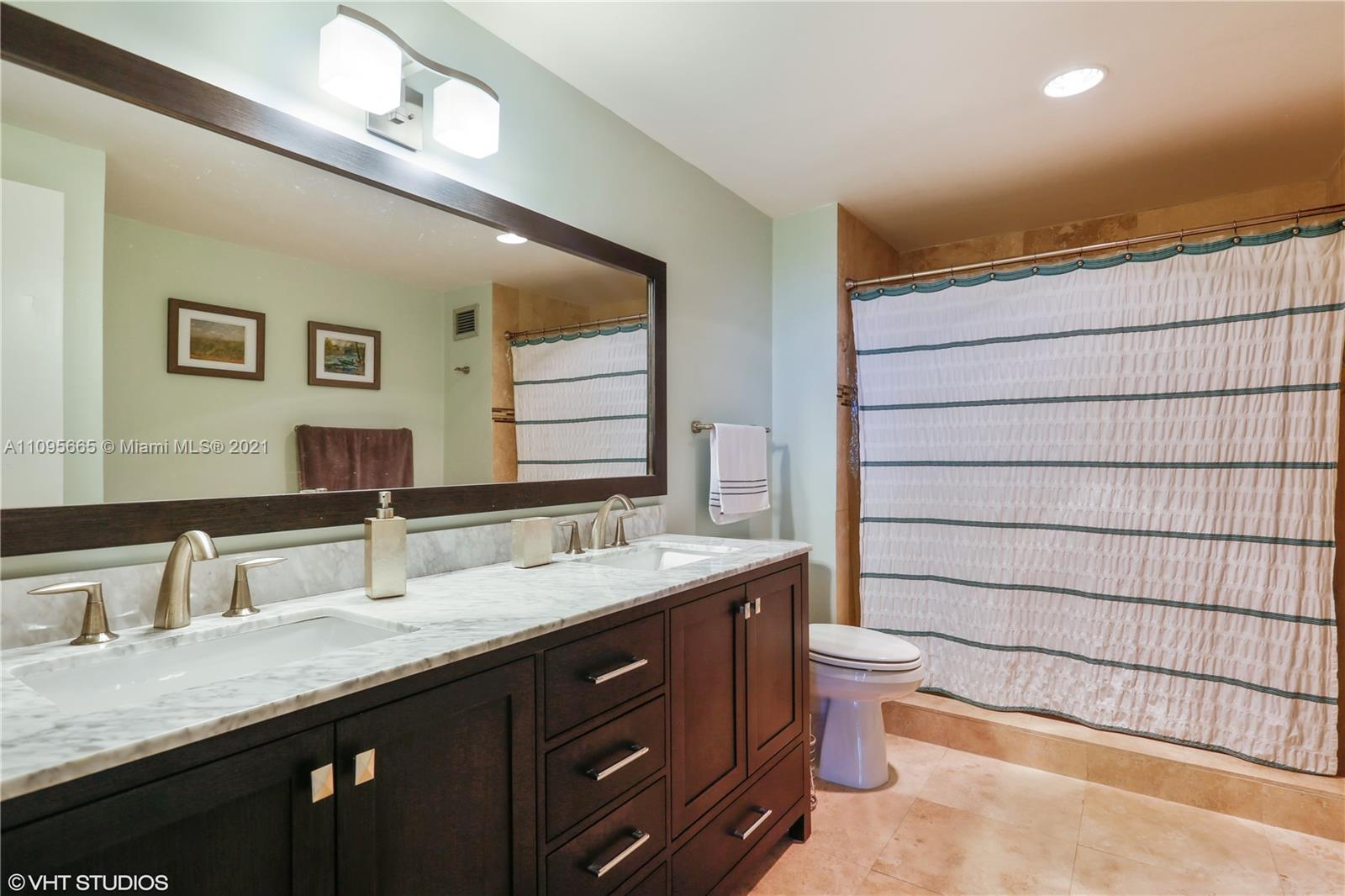 5825 W Collins Ave #4A photo05