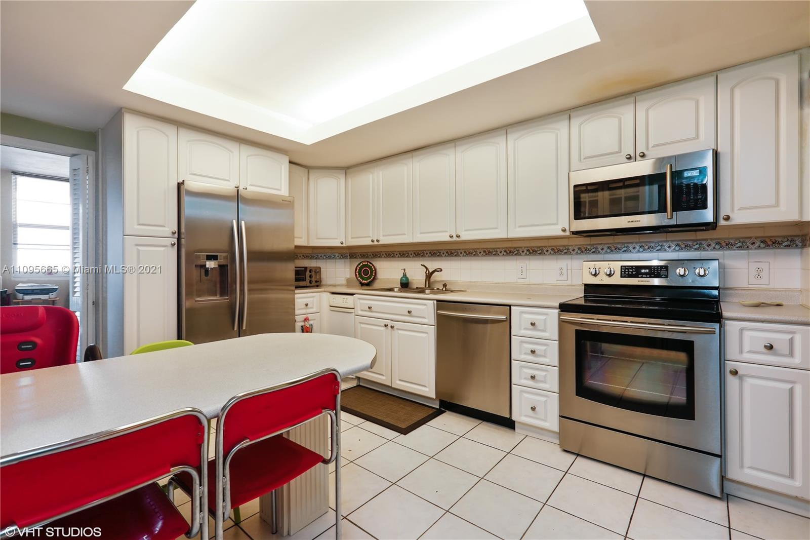 5825 W Collins Ave #4A photo09