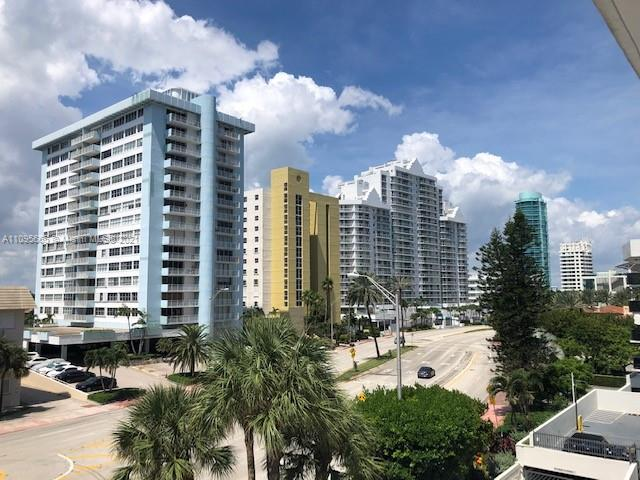 5825 W Collins Ave #4A photo011