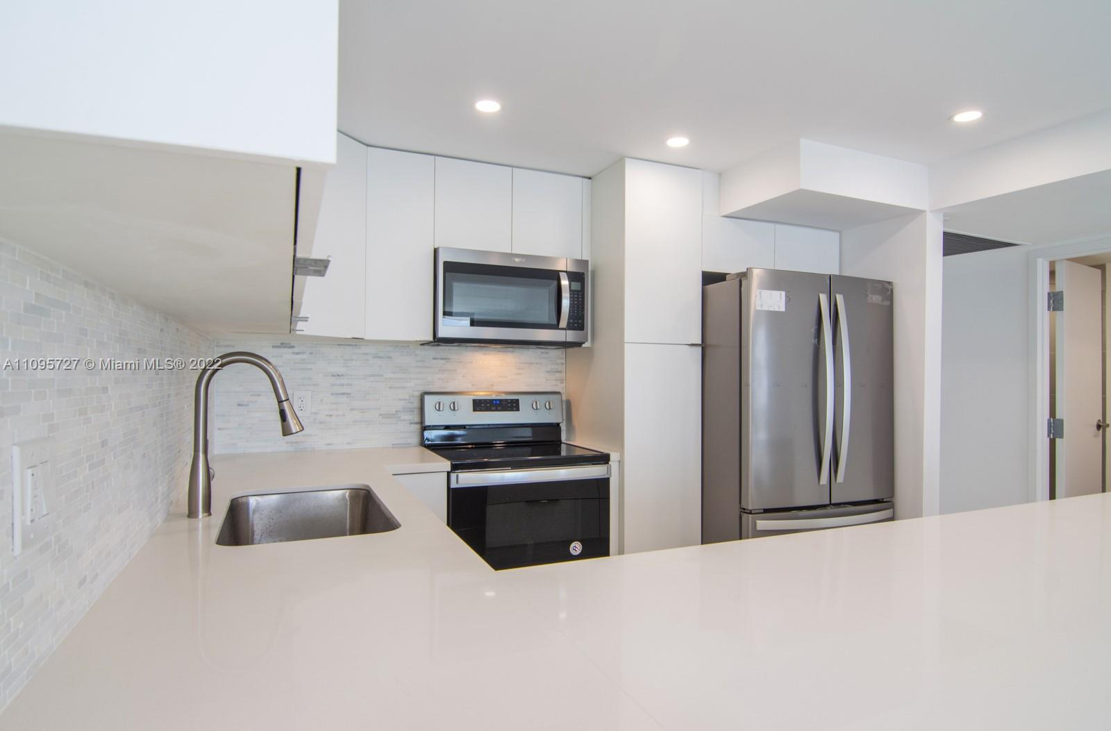 5701 Collins Ave #509 photo02