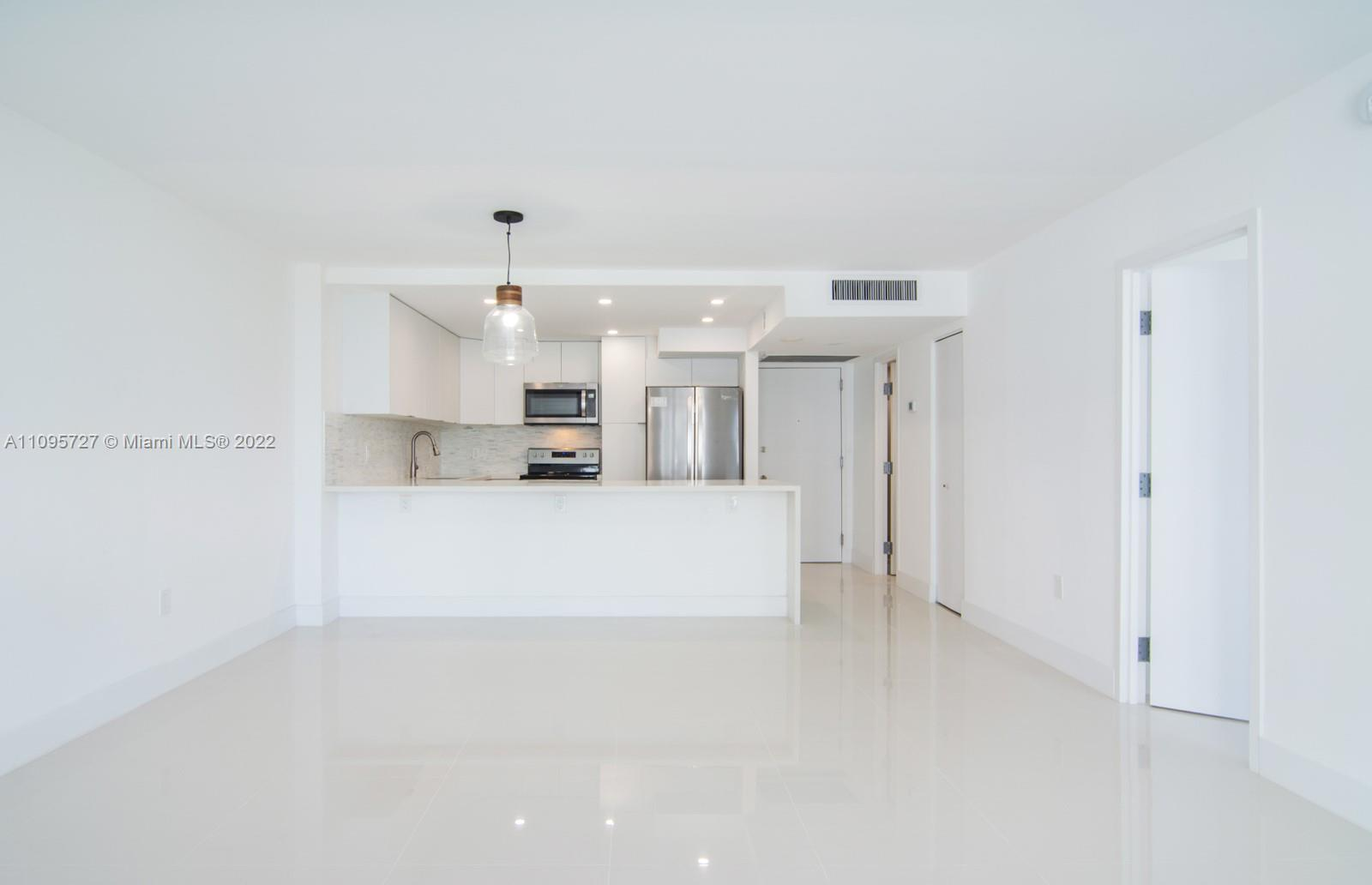 5701 Collins Ave #509 photo03