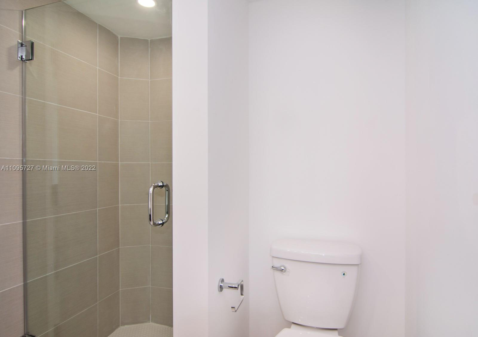 5701 Collins Ave #509 photo08