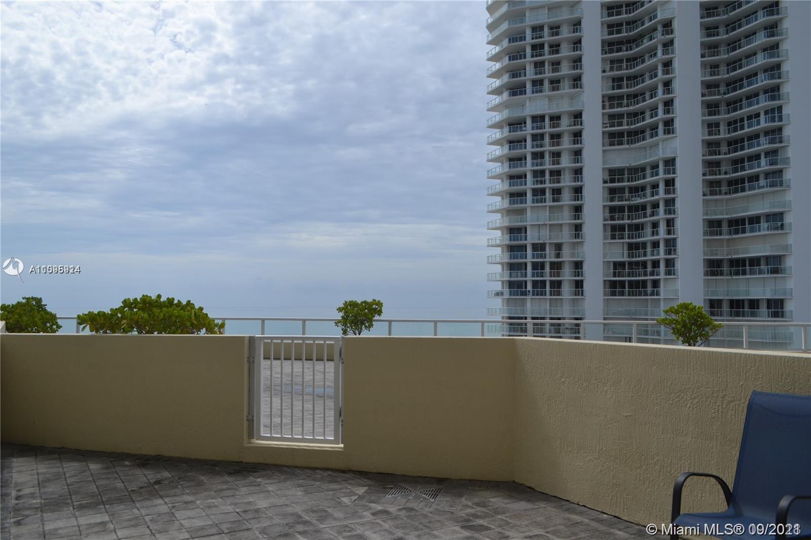 La Perla #CABANA01 - 16699 Collins Ave #CABANA01, Sunny Isles Beach, FL 33160