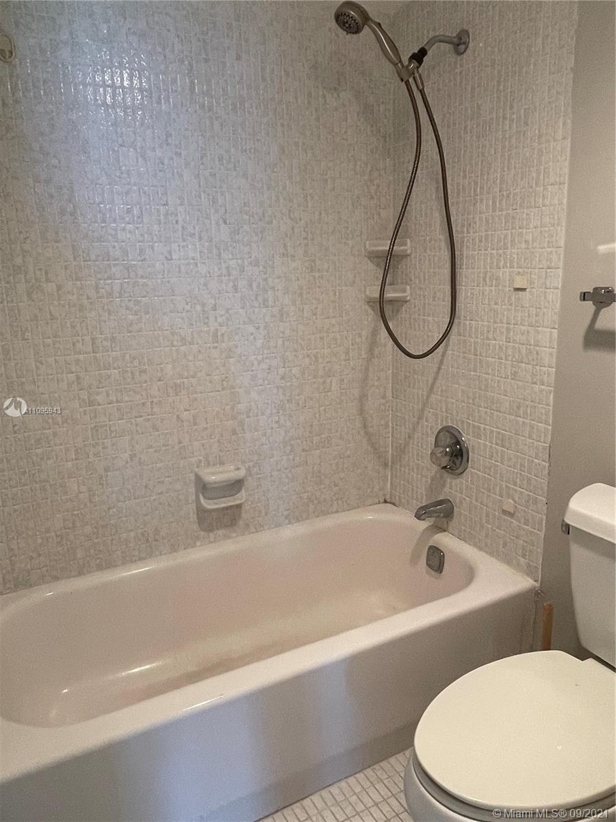 100 Bayview Dr #1503 photo028