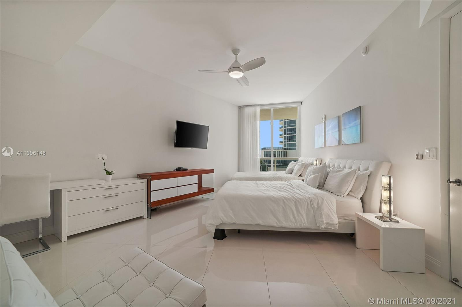 16001 Collins Ave #507 photo031