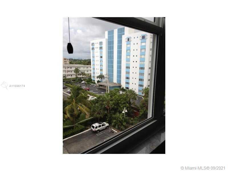 10350 W Bay Harbor Dr #6J photo09
