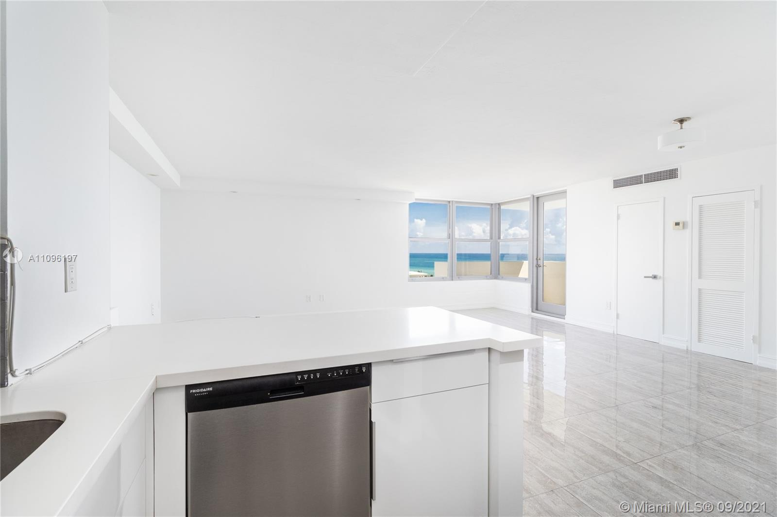 2899 Collins Ave #1029 photo023