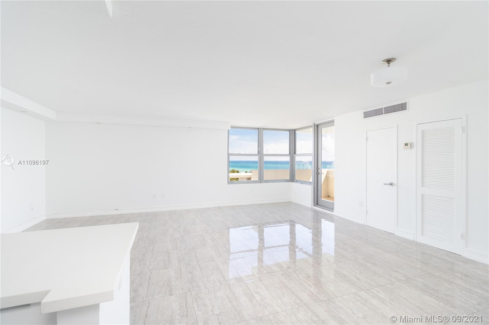 2899 Collins Ave #1029 photo027