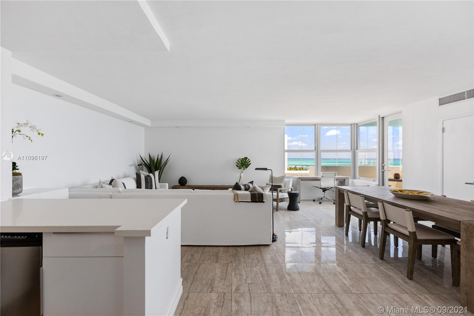 2899 Collins Ave #1029 photo02