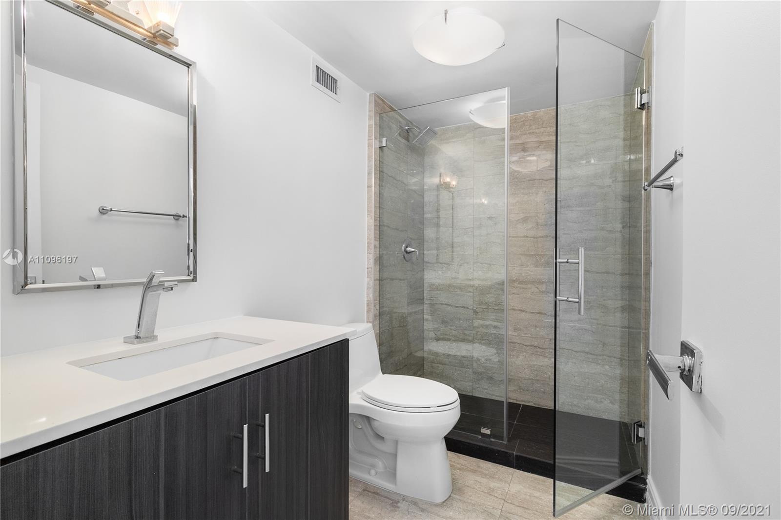 2899 Collins Ave #1029 photo013