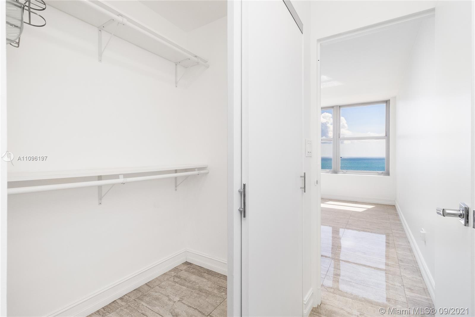 2899 Collins Ave #1029 photo017
