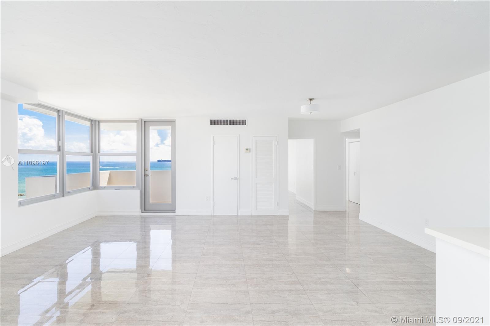 2899 Collins Ave #1029 photo016