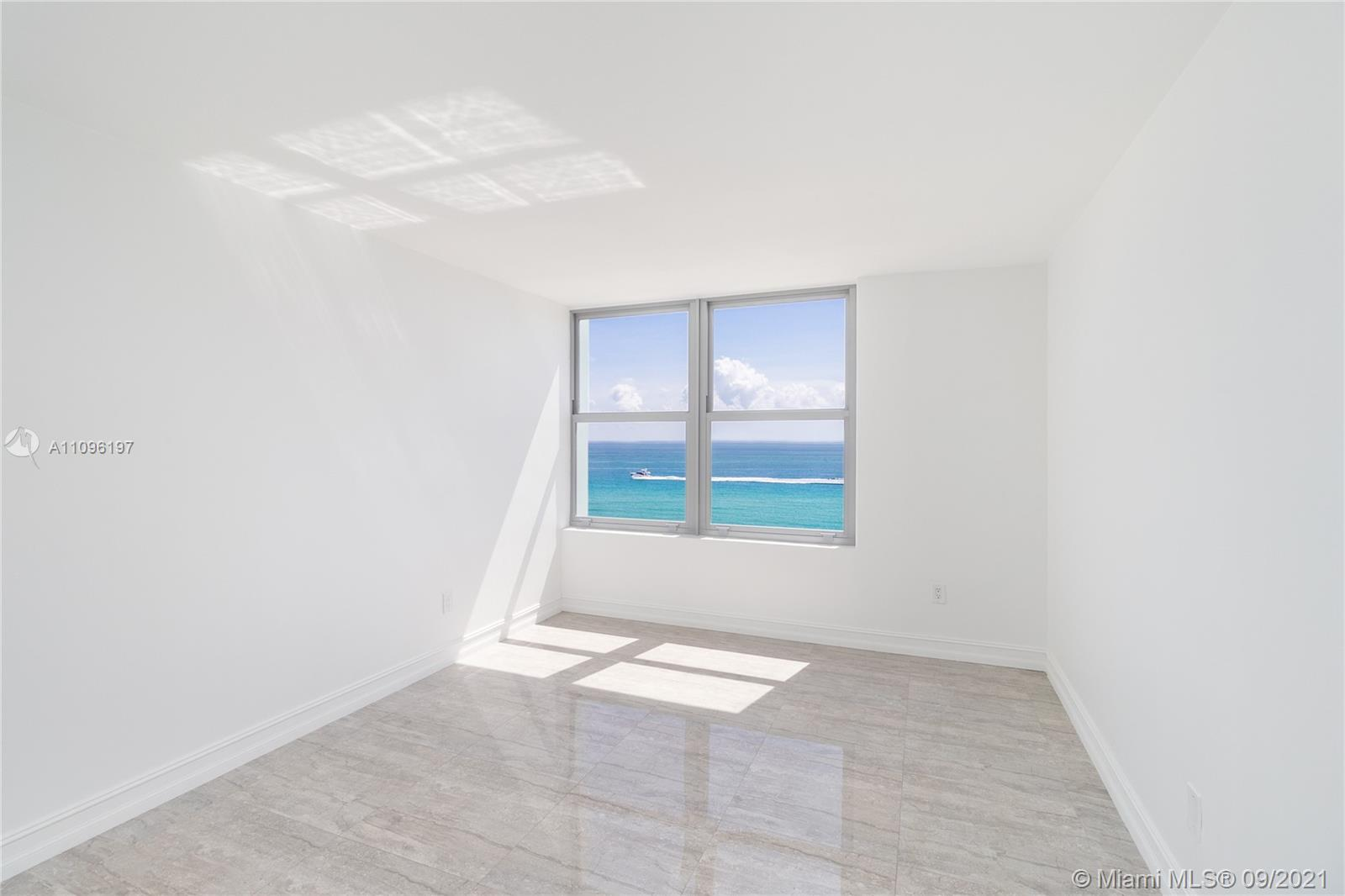 2899 Collins Ave #1029 photo022