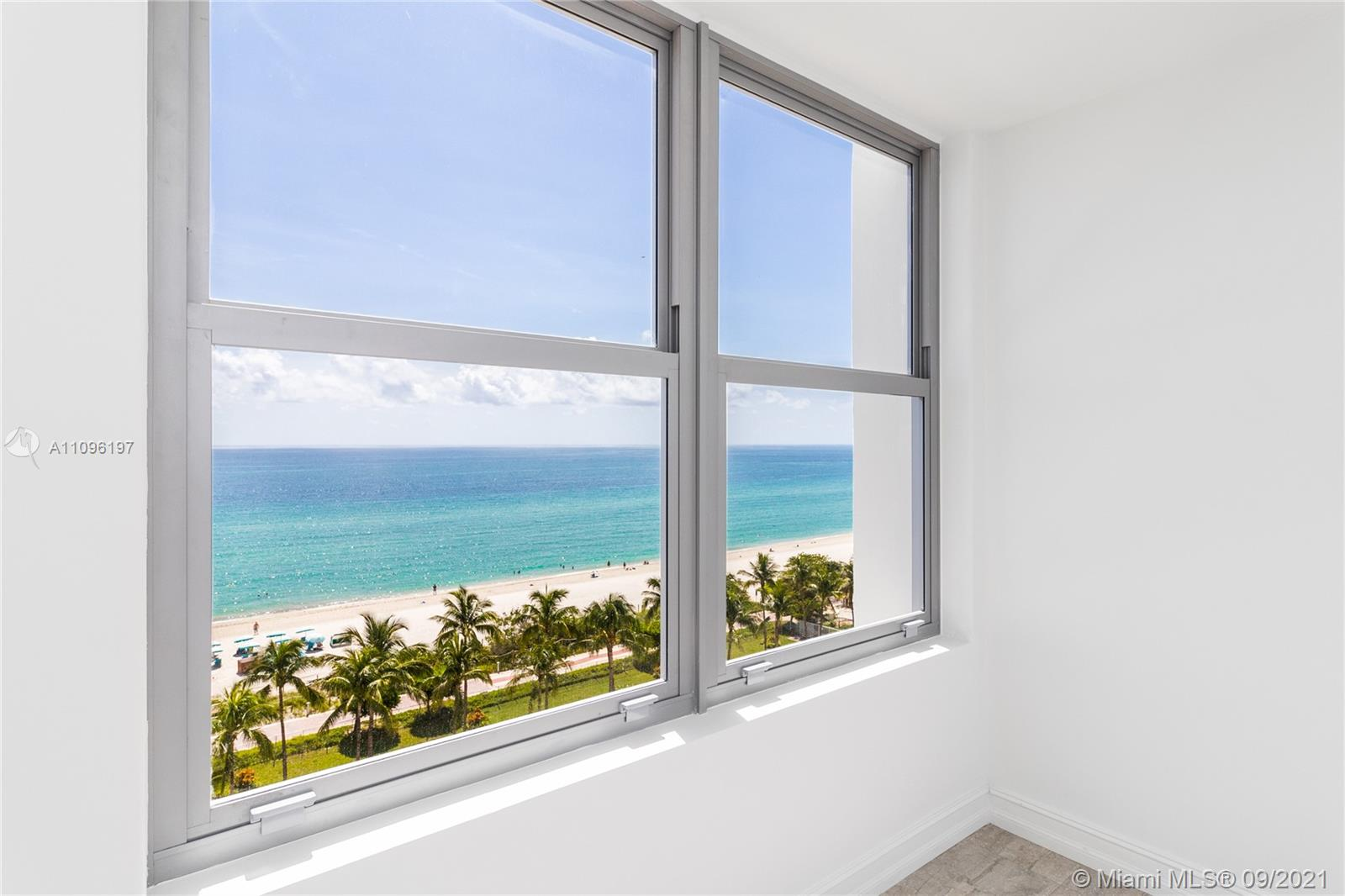 2899 Collins Ave #1029 photo015