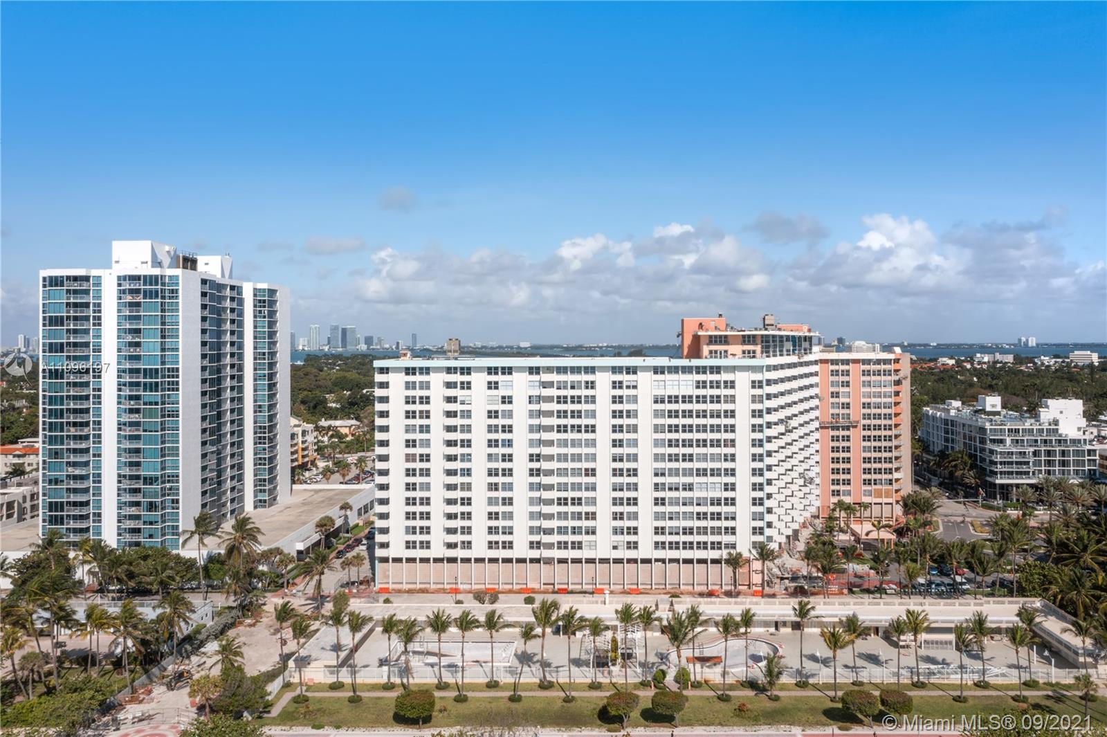 2899 Collins Ave #1029 photo035