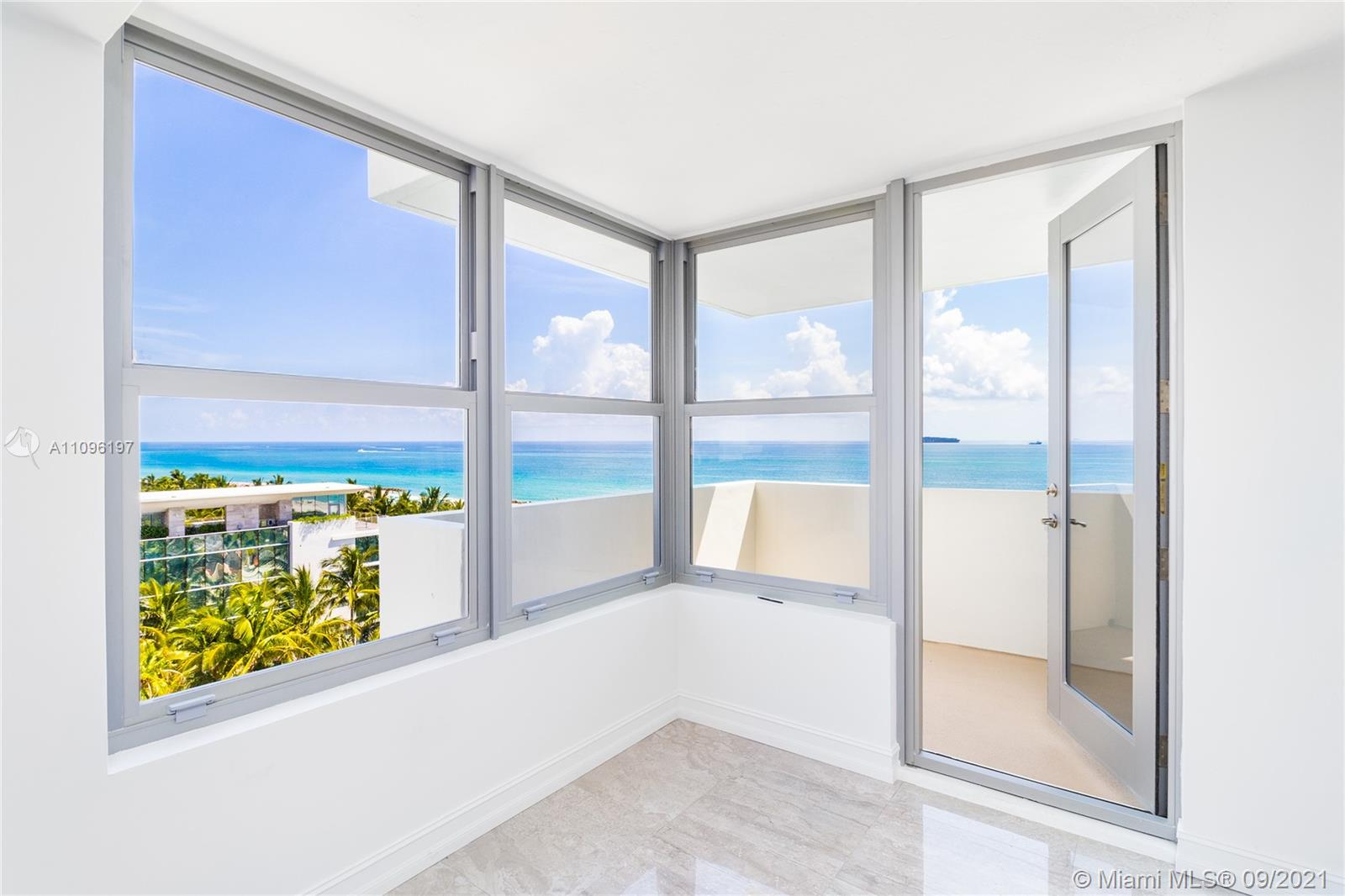2899 Collins Ave #1029 photo04