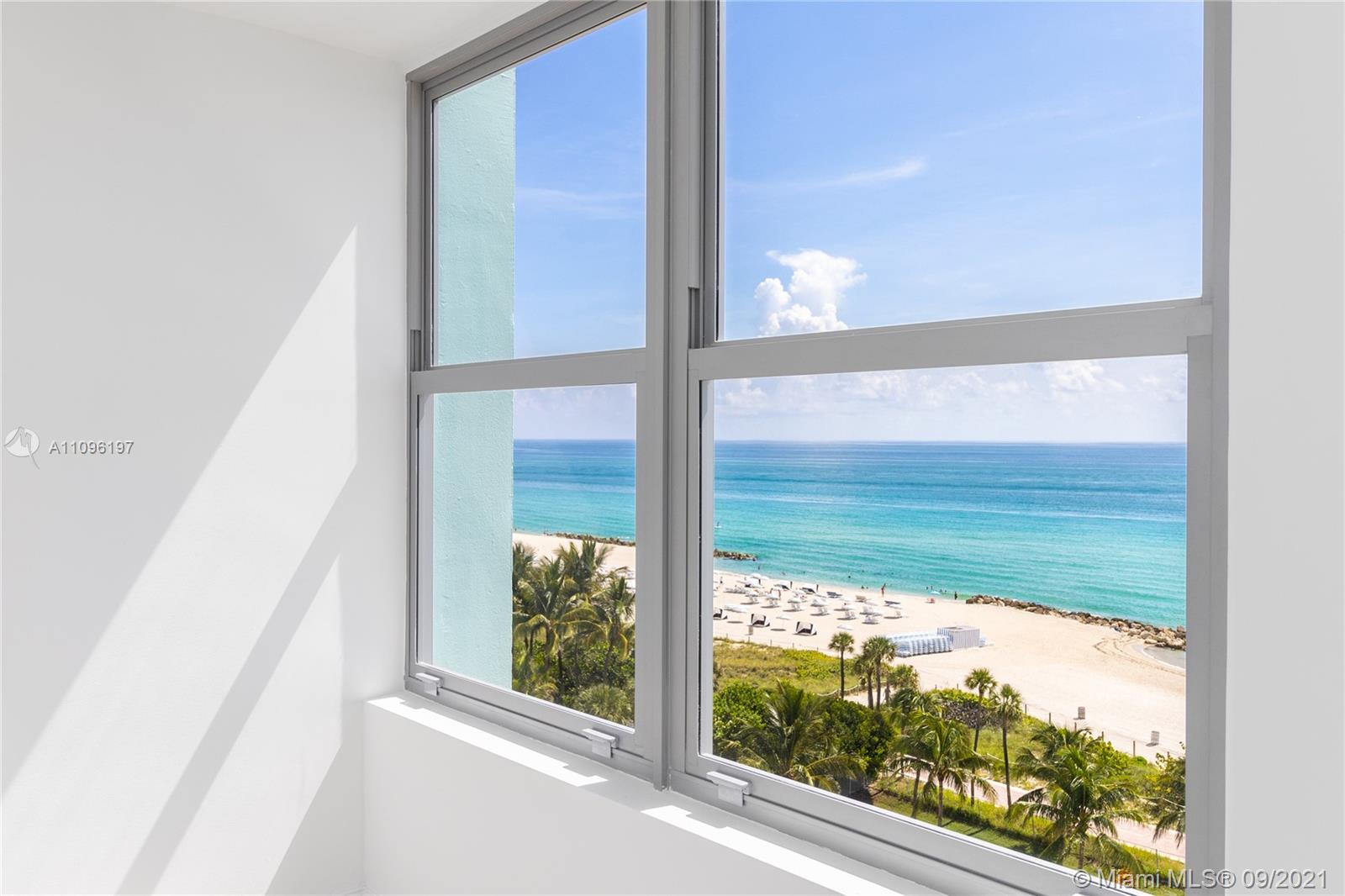 2899 Collins Ave #1029 photo021