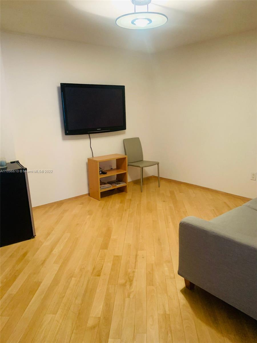 16711 Collins Ave #1403 photo06