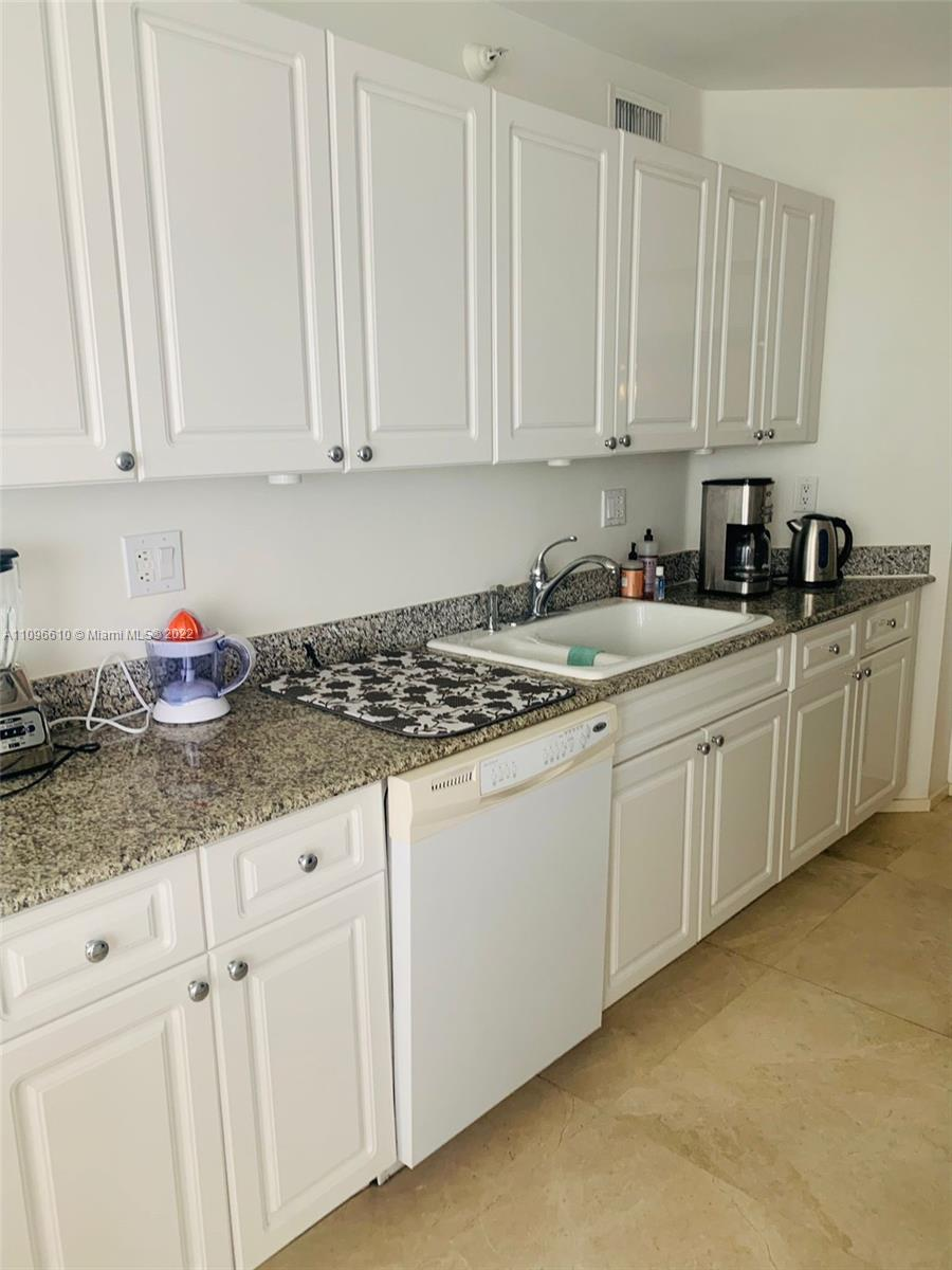 16711 Collins Ave #1403 photo09
