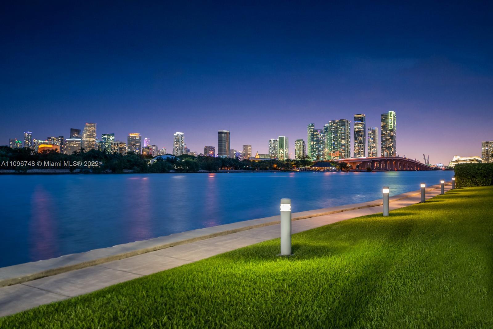 1000 Venetian Way #TH 113 - 1000 Venetian Way #TH 113, Miami, FL 33139