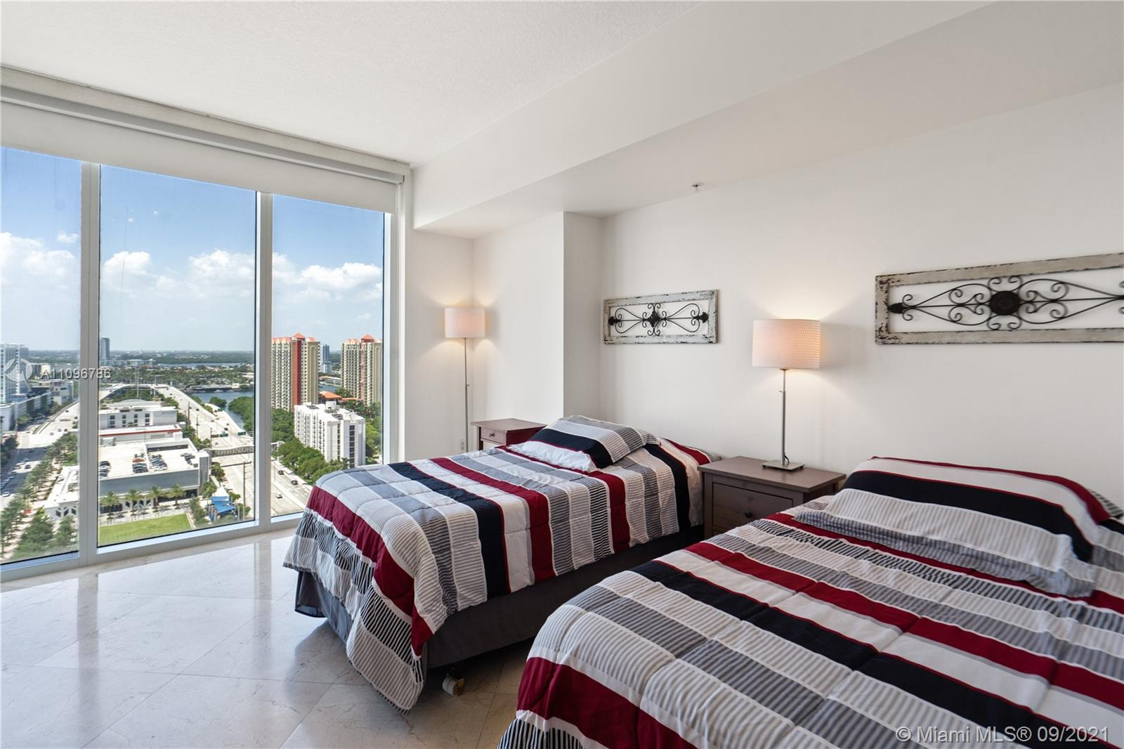16699 Collins Ave #2308 photo013