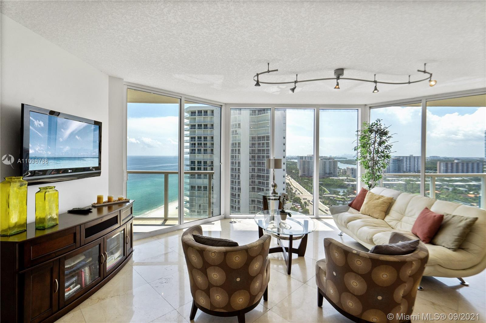 16699 Collins Ave #2308 photo010