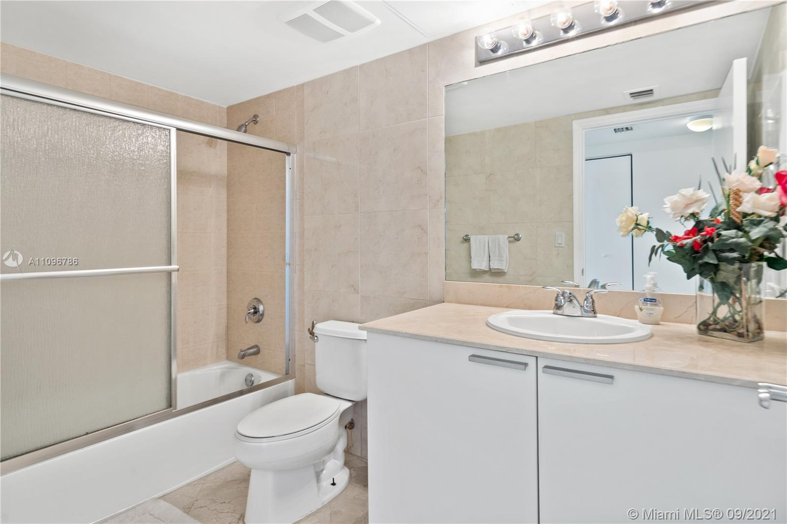 16699 Collins Ave #2308 photo014