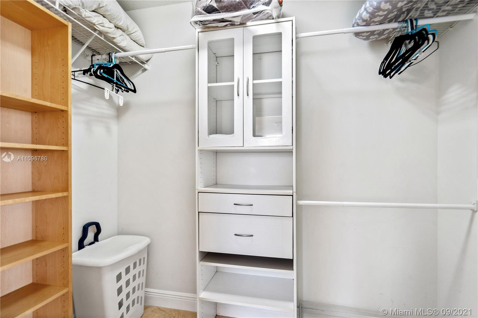 16699 Collins Ave #2308 photo08