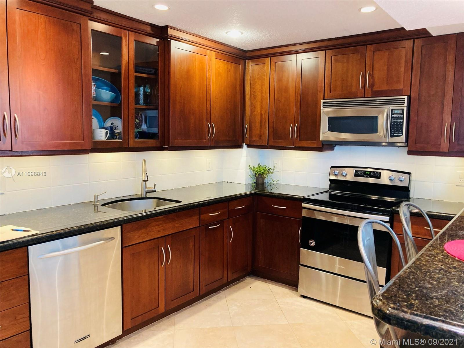5825 Collins Ave #4K photo03