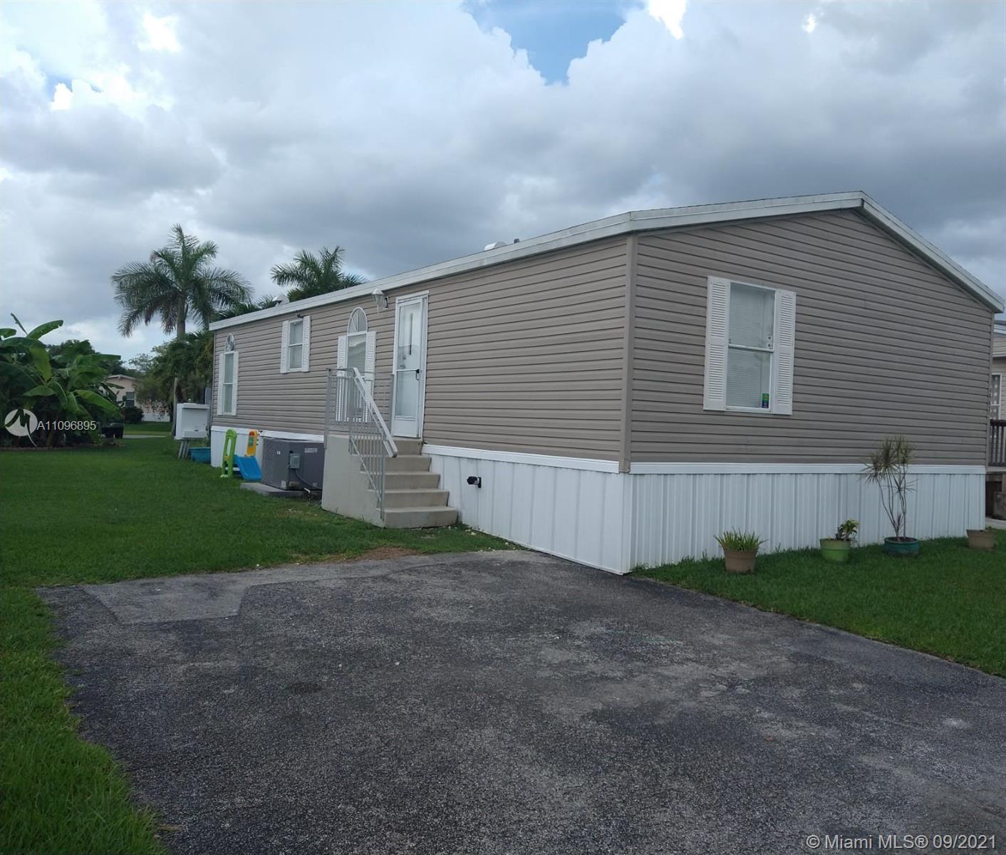 34633 SW 188th Way, Homestead, Florida 33034, 3 Bedrooms Bedrooms, ,2 BathroomsBathrooms,Residential,For Sale,188th Way,A11096895