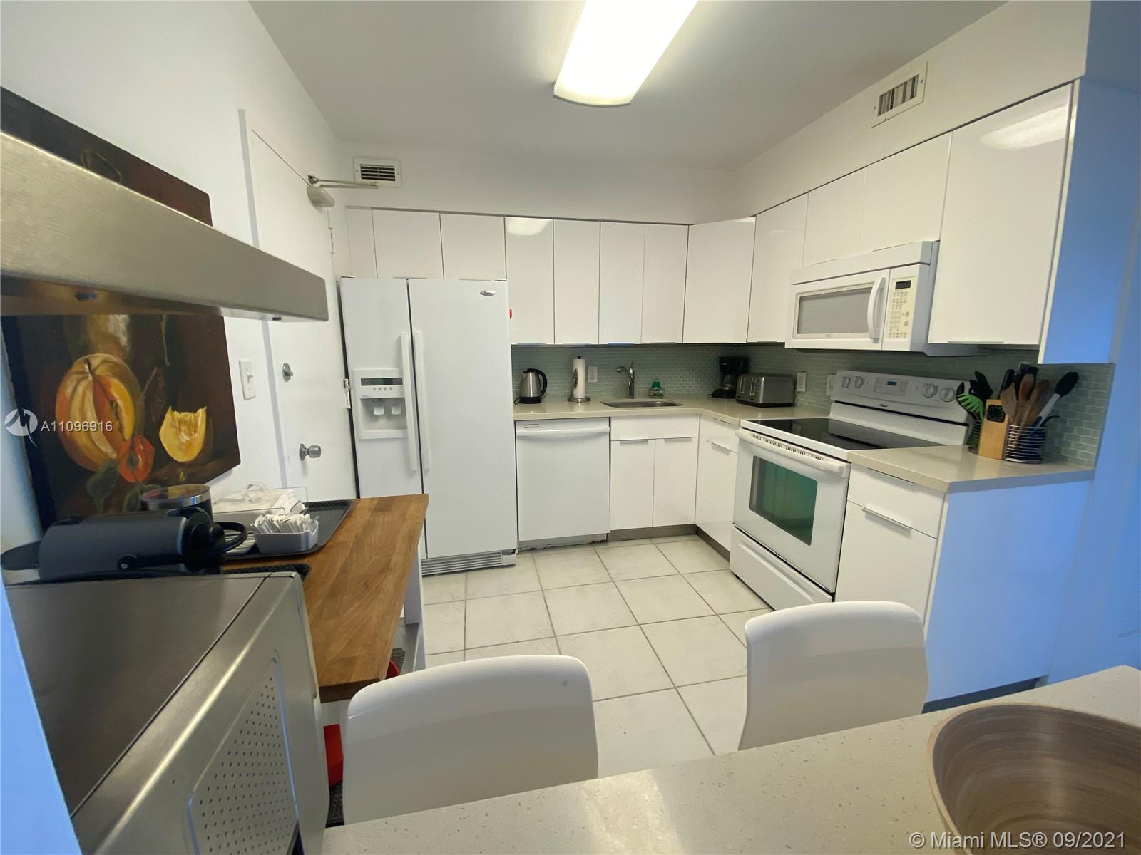 5161 Collins Ave #1006 photo06