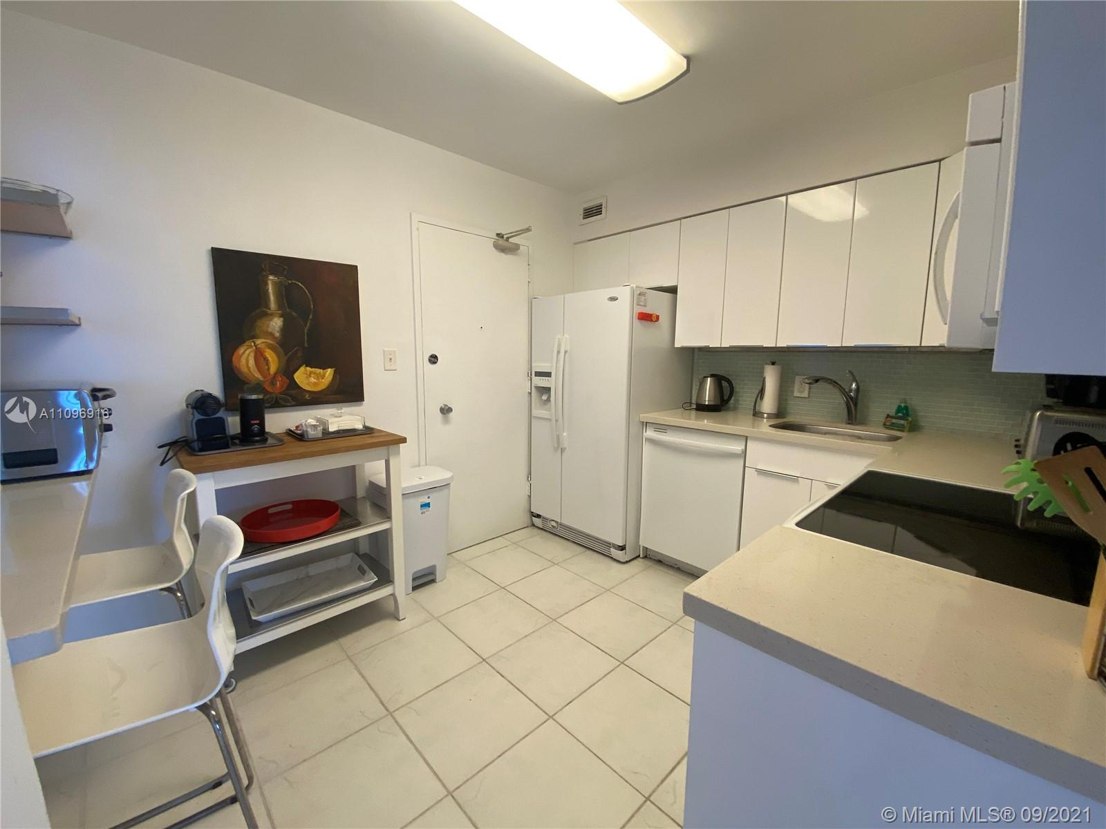 5161 Collins Ave #1006 photo07