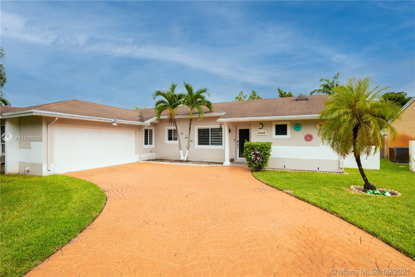 Single Family Home,For Sale,19655 NW 62nd Ct, Hialeah, Florida 33015,Brickell,realty,broker,condos near me