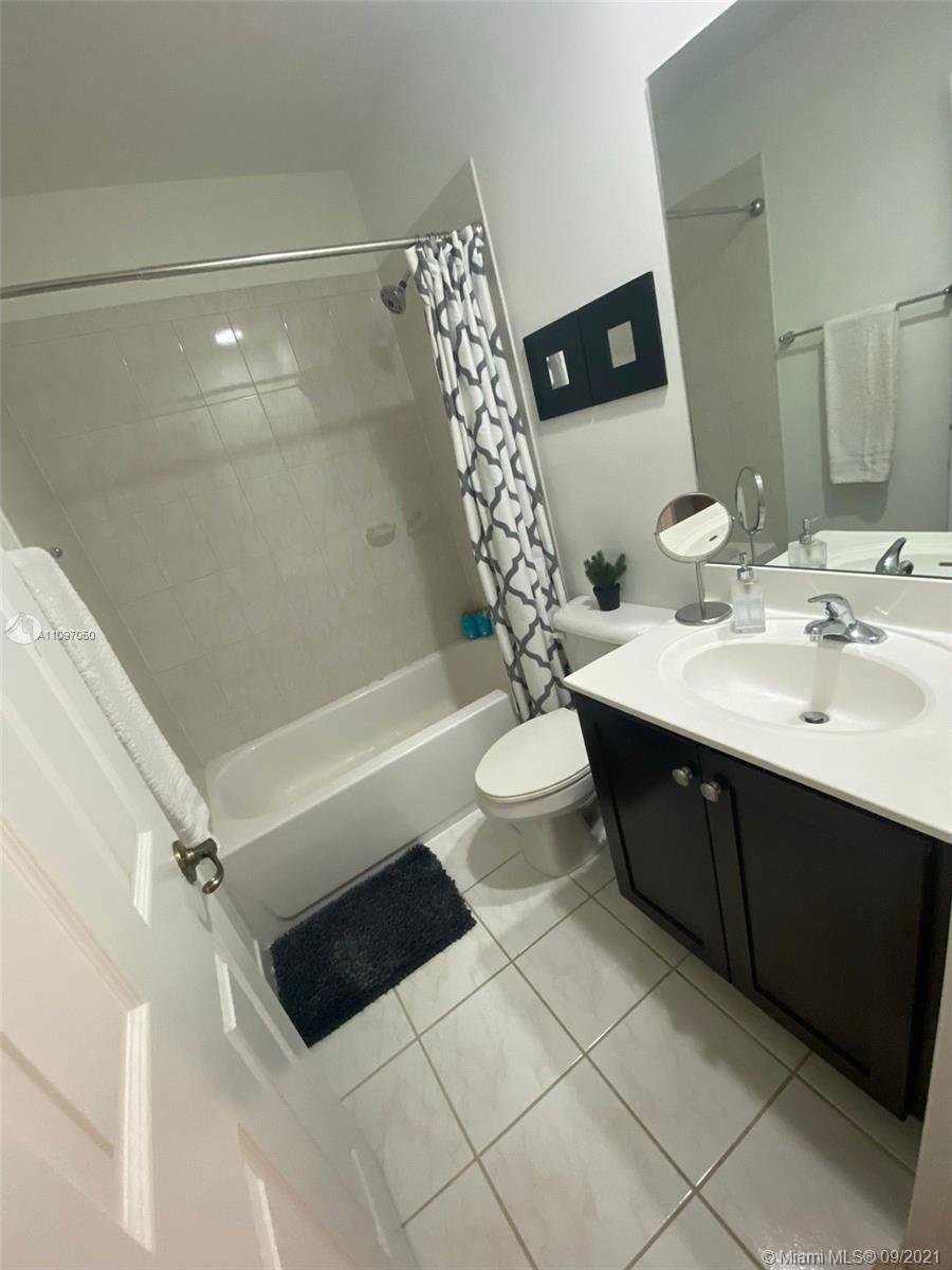 1851 SW 89th Ter #1851 photo043