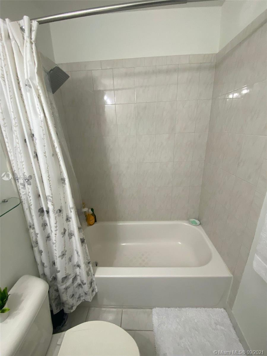 1851 SW 89th Ter #1851 photo036