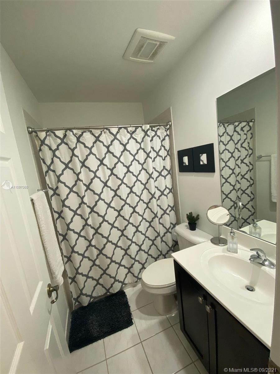 1851 SW 89th Ter #1851 photo041