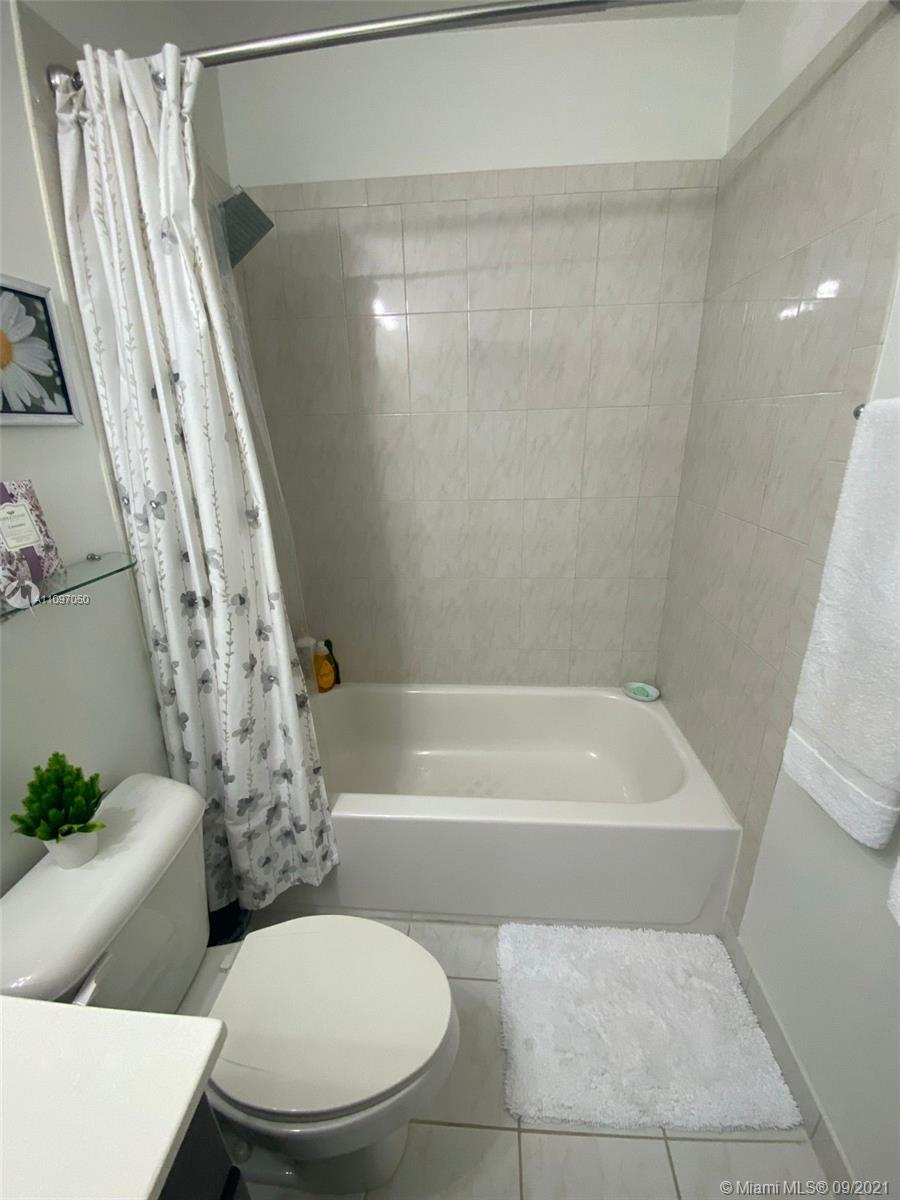 1851 SW 89th Ter #1851 photo035