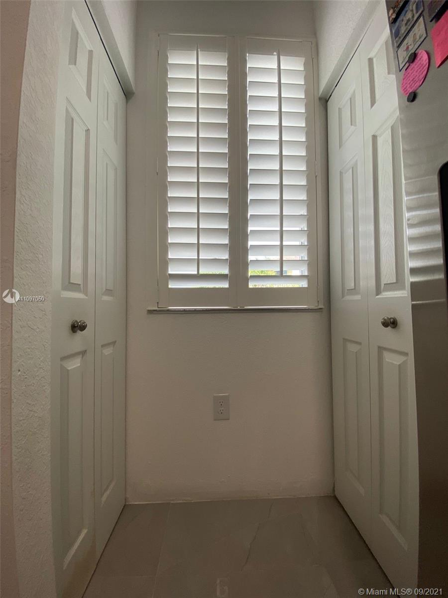 1851 SW 89th Ter #1851 photo08