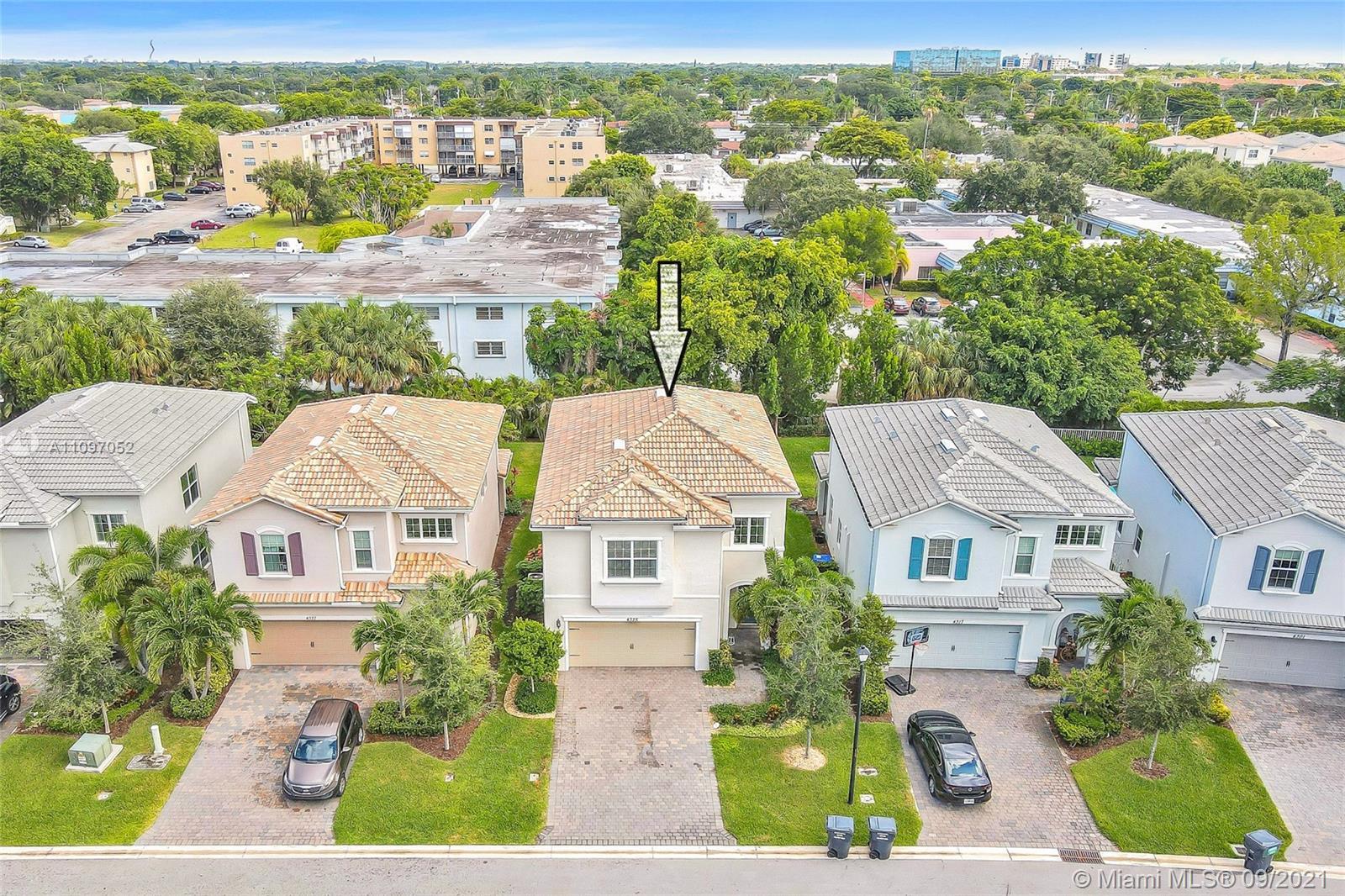 Parkview At Hillcrest - 4325 Large Leaf Ln, Hollywood, FL 33021