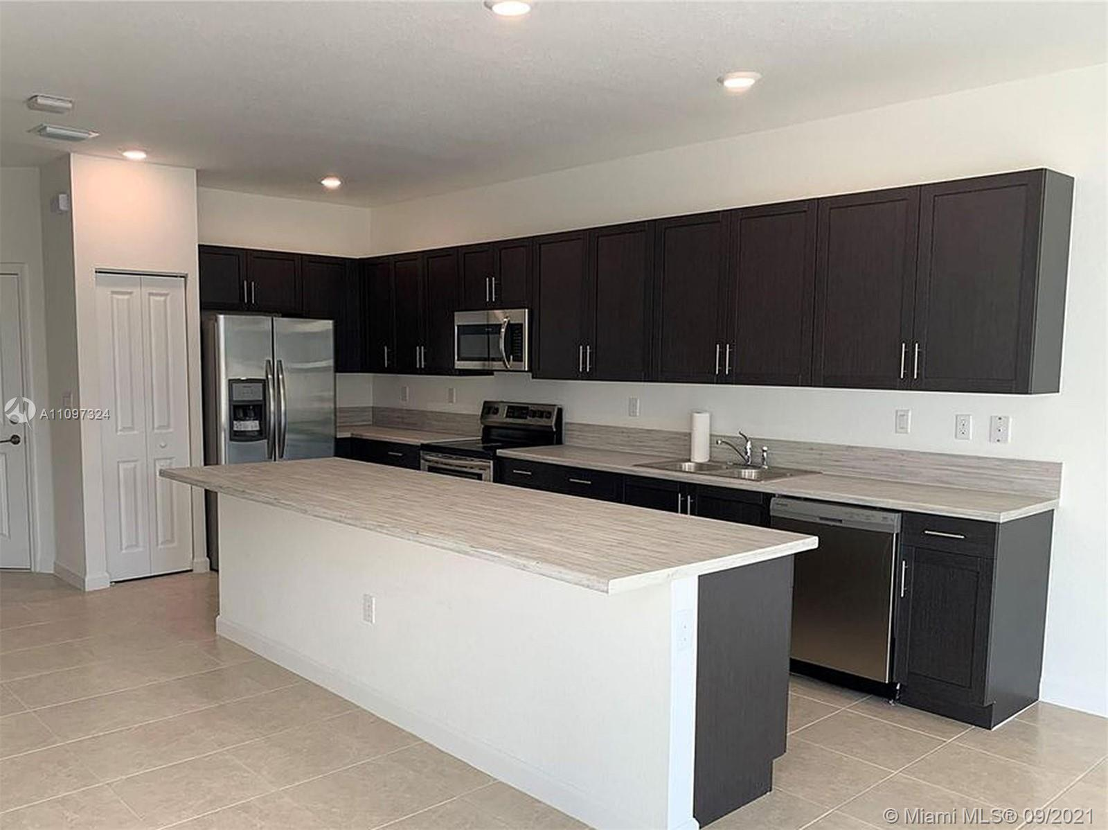 Single Family Home,For Sale,24960 SW 107th Ct, Homestead, Florida 33032,Brickell,realty,broker,condos near me