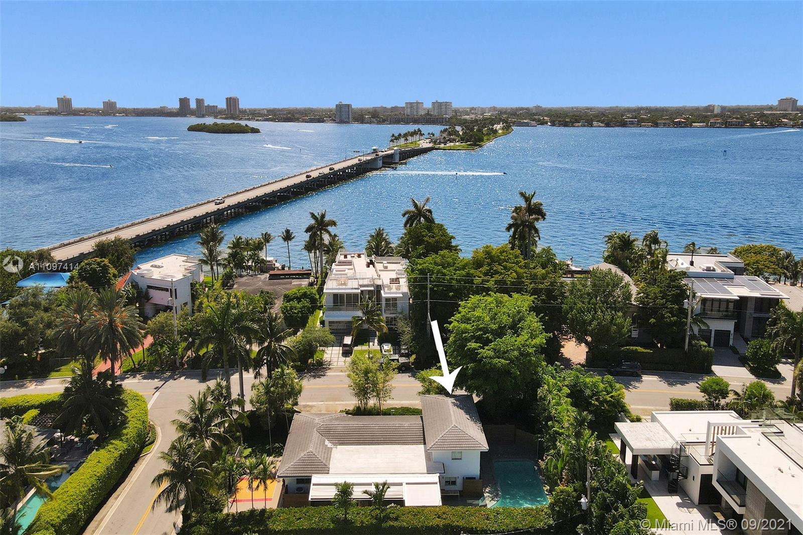 Single Family Home,For Sale,9701 W Broadview Dr, Bay Harbor Islands, Florida 33154,Brickell,realty,broker,condos near me