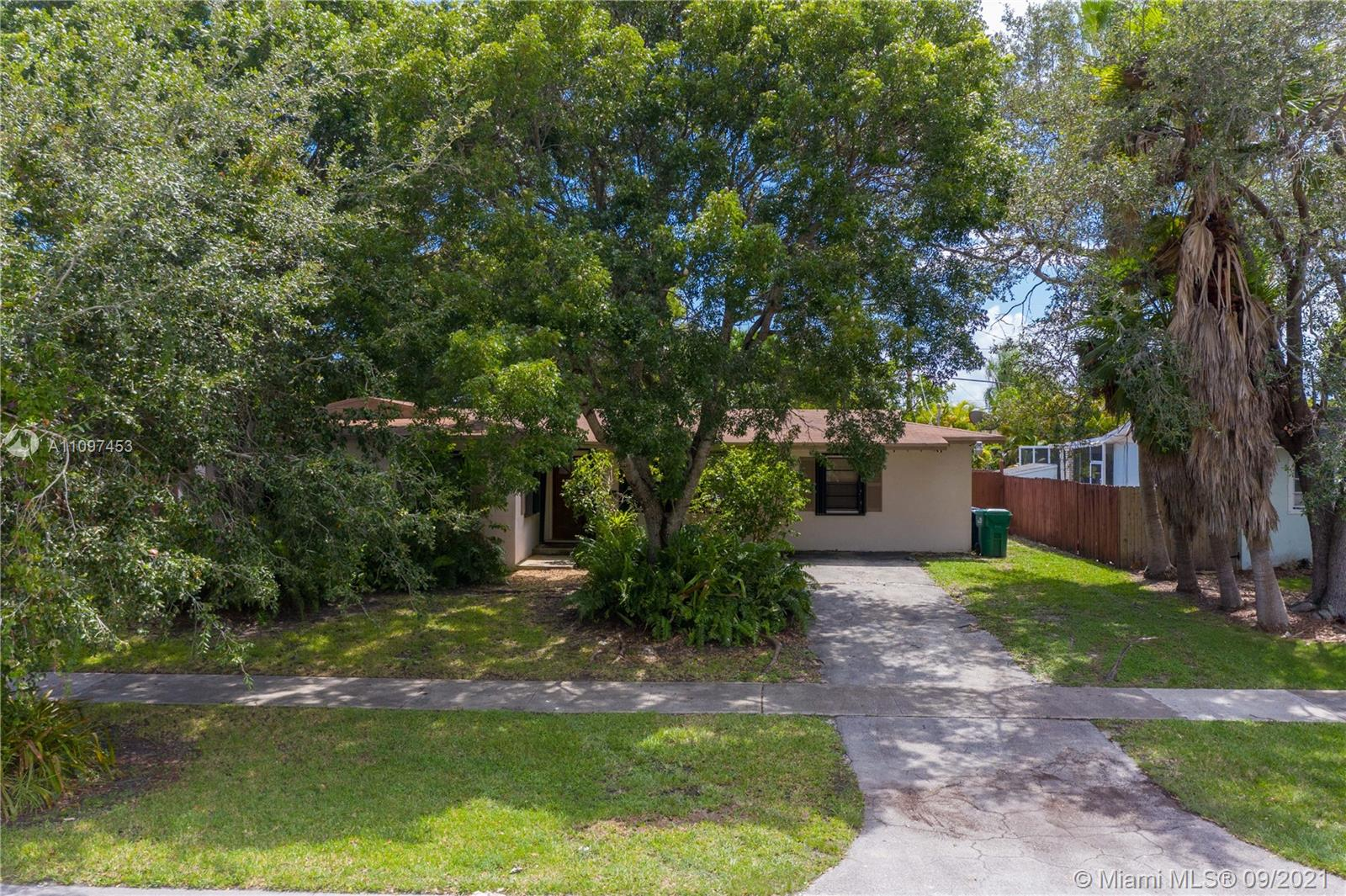 Single Family Home,For Sale,8780 SW 200th St, Cutler Bay, Florida 33157,Brickell,realty,broker,condos near me